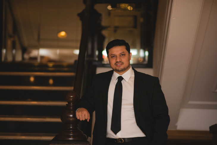 Meet Mihir Desai (Owner- The Bar Stock Exchange), mind behind India's first stock market-based pub chain.